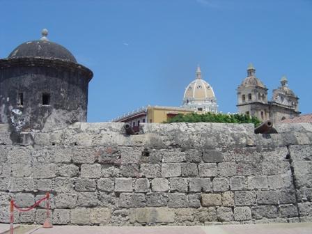Muro cercando a cidade histórica