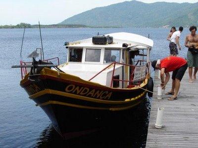 Barco da costa da lagoa (foto: James Pizarro)