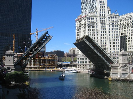 michigan_ave_bridge_060415