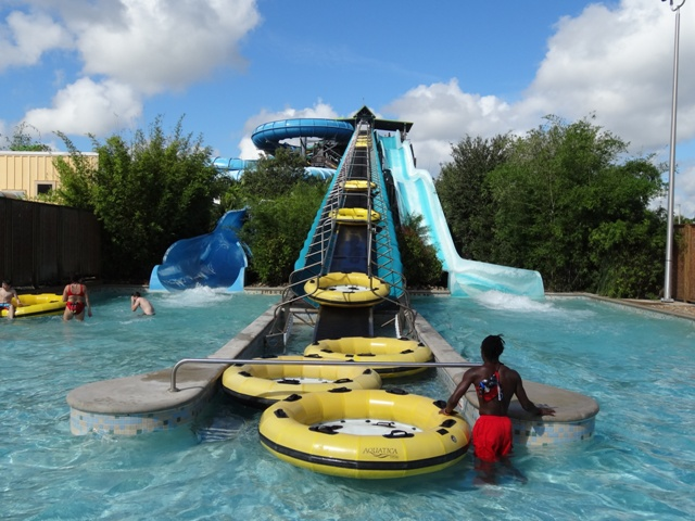 Aquatica - Toboáguas Walhalla Wave e HooRoo Run