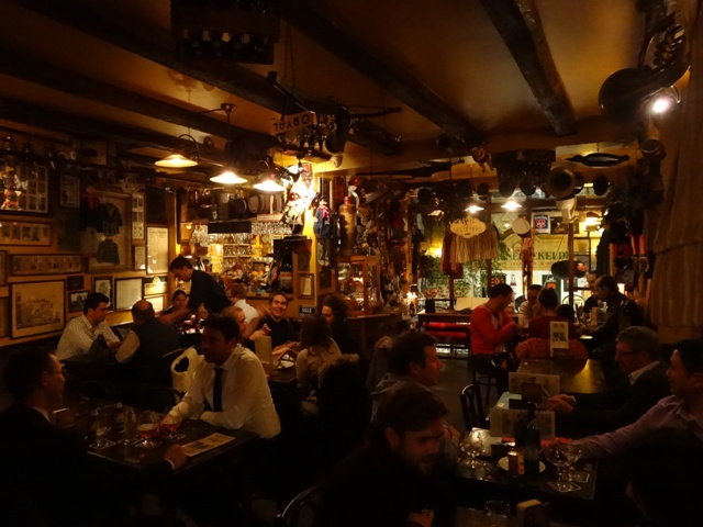 Bruxelas Chocolate e Cervejas - Cervejaria Poechenellekelder 4