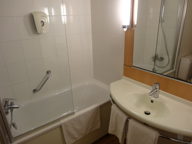 Bruxelas - Hotel Ibis Grand Place - Banheiro