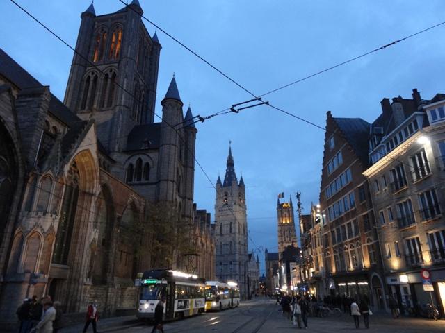 Gent - Korenmarkt 1 (Noite)