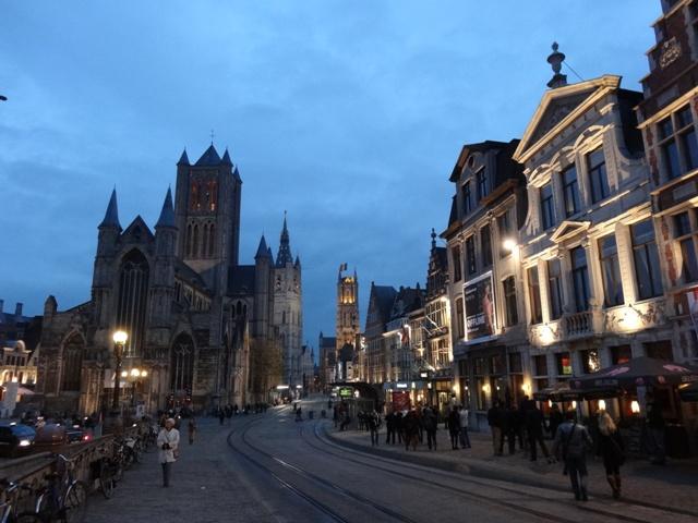Gent - Korenmarkt 2 (Noite)
