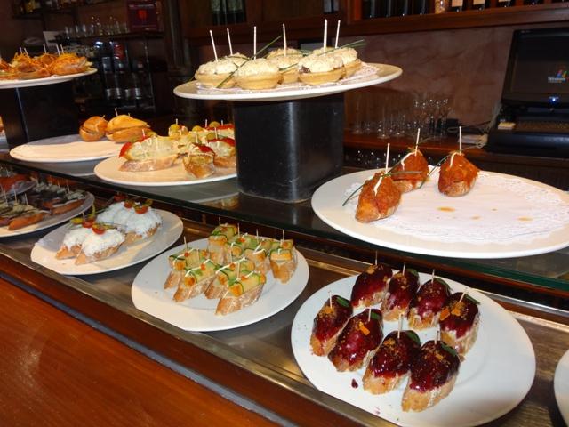 Valência - Restaurante Sagardi - Pintxos 1
