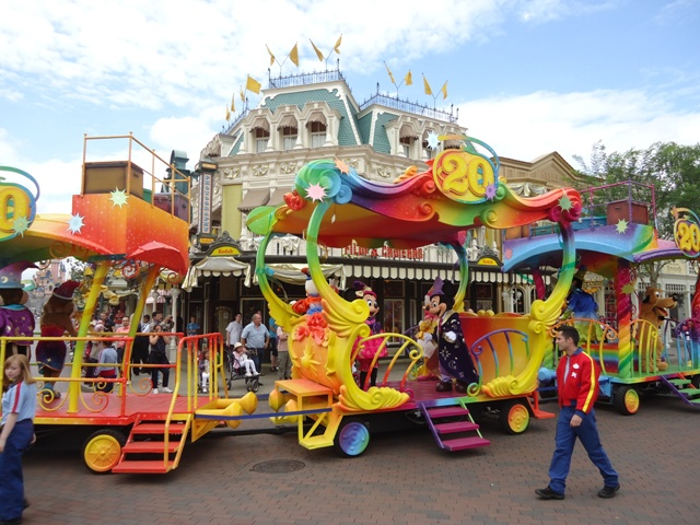 Disneyland Paris - Parada Aniversário