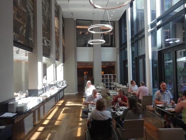 Dresden - Hotel Innside café da manhã