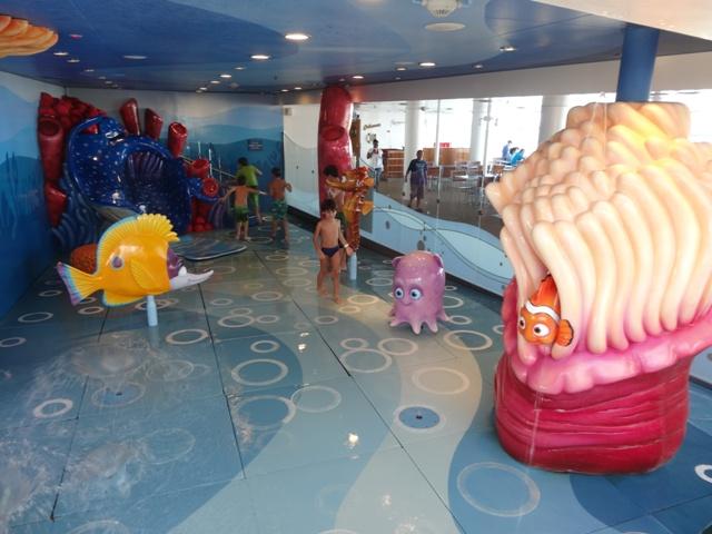 Disney dream Nemo reef