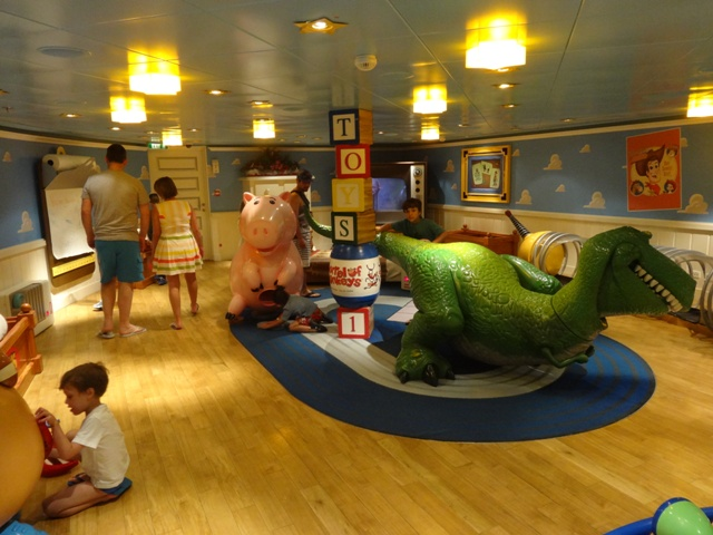 Disney Dream Oceaneer Club