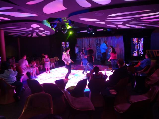 Disney cruise discoteca