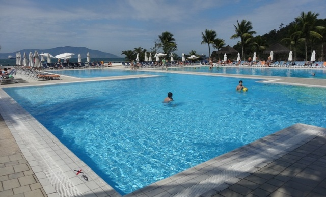 Club med piscina