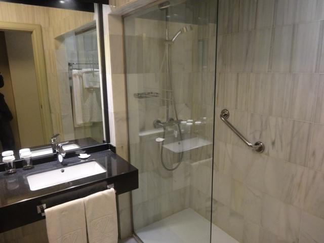 Granada_Hotel_Vincci_Banheiro