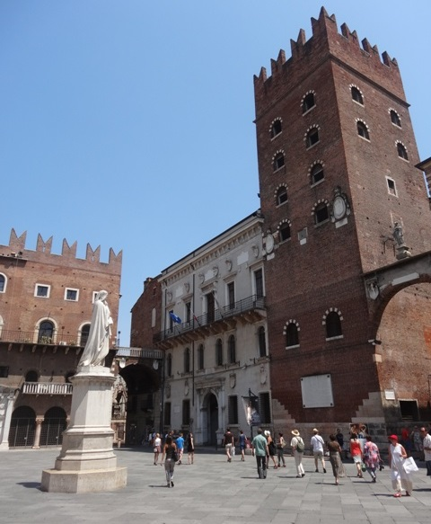 Verona_Piazza_dei_Signori