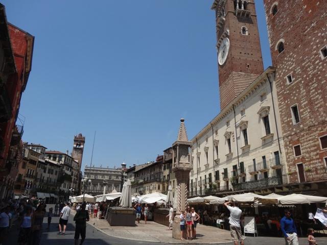 Verona_Piazza_delle_Erbe
