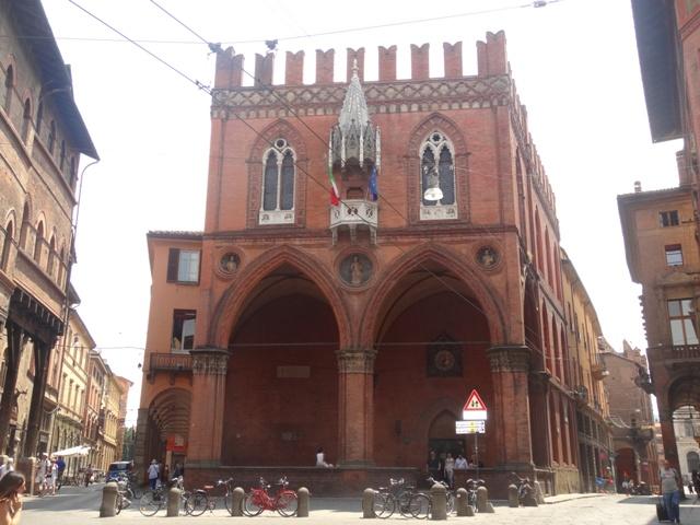 Bolonha Palazzo della Mercanzia