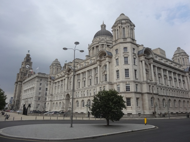 Liverpool_Three_graces